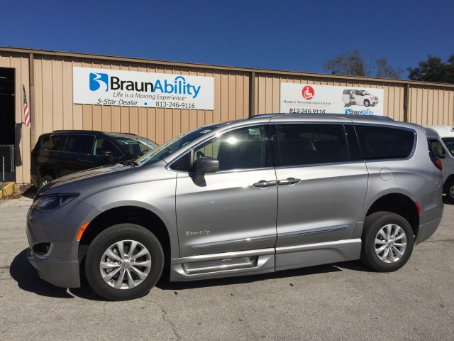 2018 Chrysler Pacifica Touring-L | Wheelchair Van For Sale