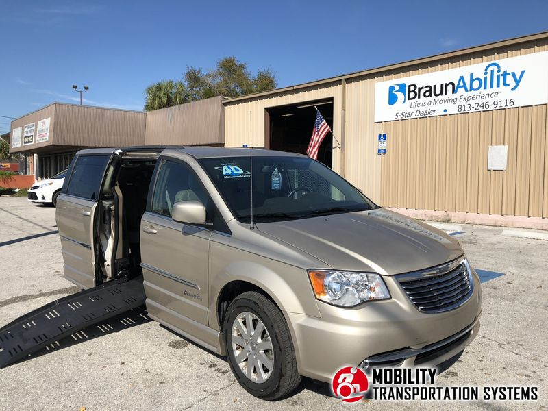 Used 2014 Chrysler Town & Country Touring.  ConversionBraunAbility Chrysler Companion Van