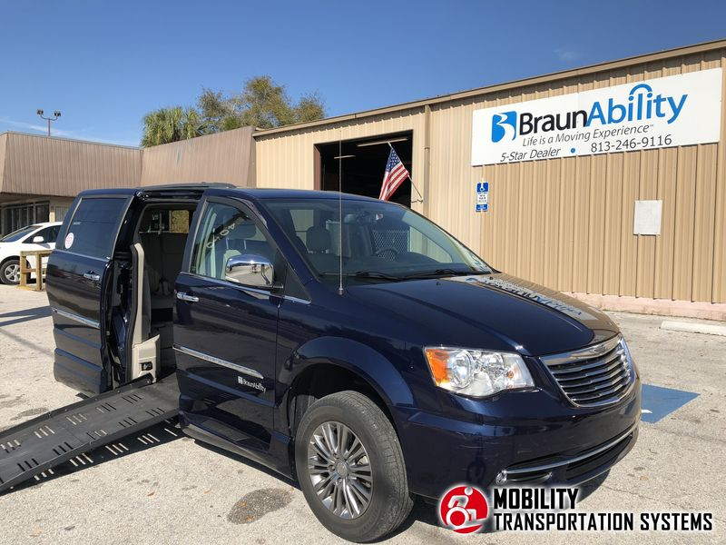 Used 2014 Chrysler Town & Country Touring-l.  ConversionBraunAbility Chrysler Entervan XT