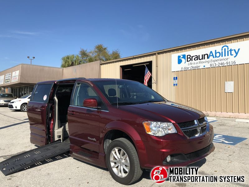 Used 2018 Dodge Grand Caravan Sxt.  ConversionBraunAbility Dodge Entervan XT
