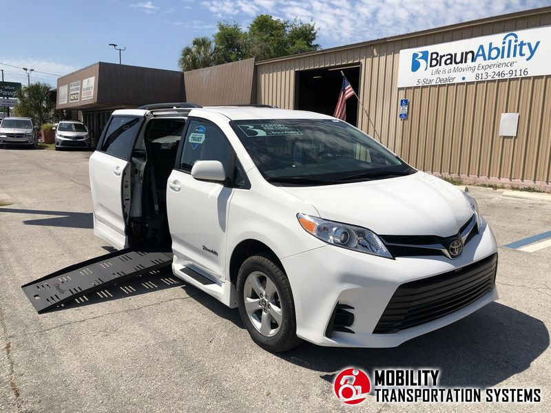 Used 2019 Toyota Sienna.  ConversionBraunAbility Chrysler Pacifica Foldout XT