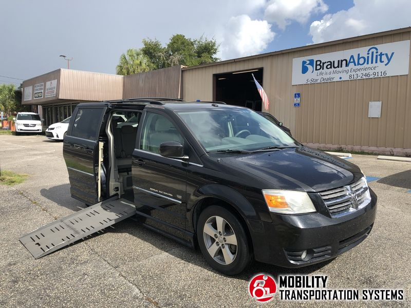 Used 2009 Dodge Grand Caravan.  ConversionBraunAbility Dodge Entervan II