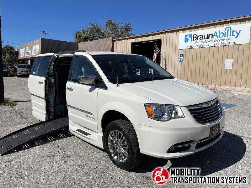 2013 Chrysler Town and Country BraunAbility Chrysler Entervan XT wheelchair van for sale