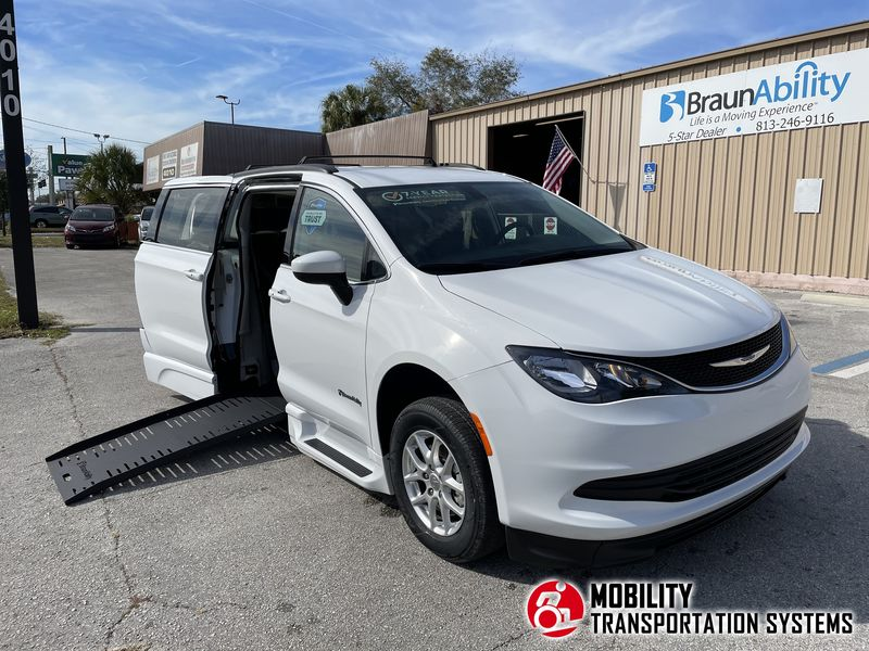 2020 Chrysler Voyager BraunAbility Chrysler Pacifica Foldout XT wheelchair van for sale
